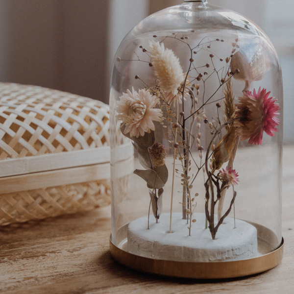 DIY Glasglocke mit Trockenblumen – Linh von Linhé