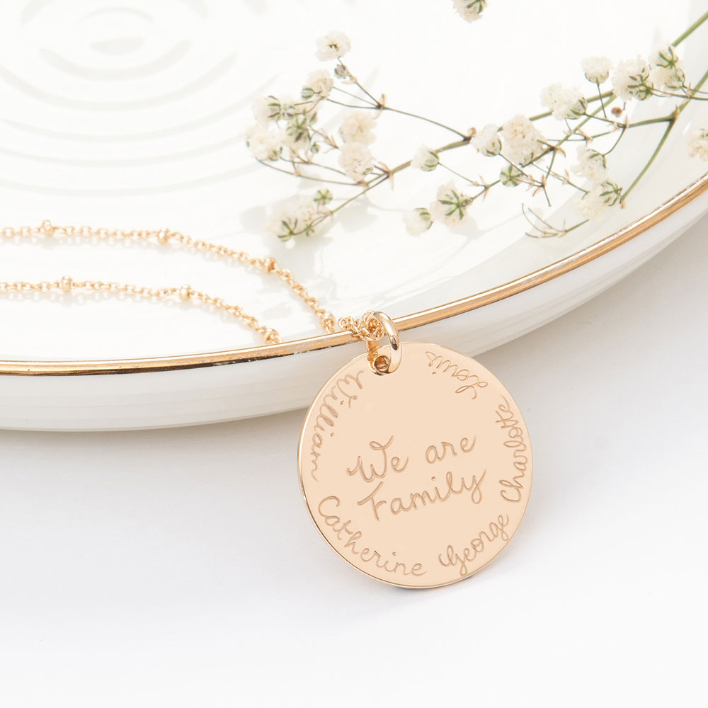 Médaille « We are family »